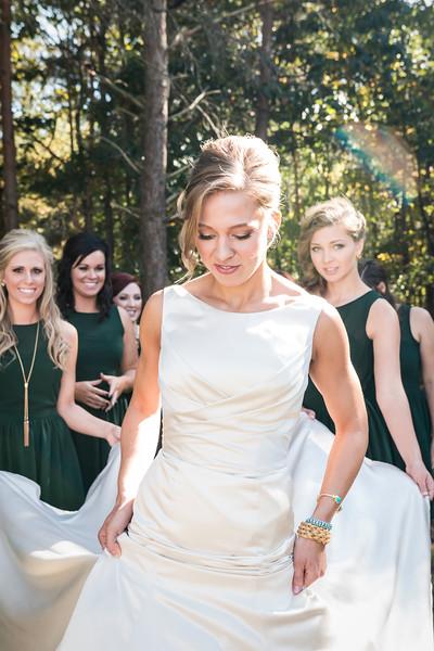 IMAGE: https://blakec-photography.smugmug.com/Saucier-Christie-Wedding/i-9NCVntF/0/L/Saucier_051-L.jpg